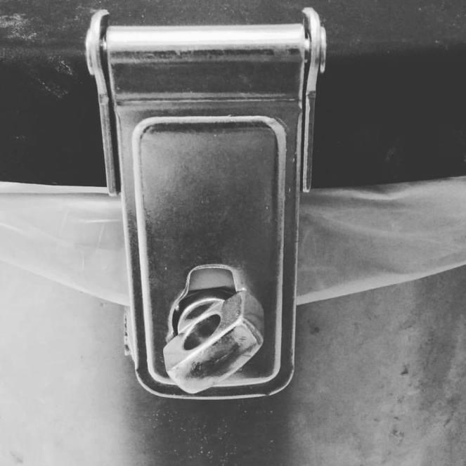 trash-can-lock
